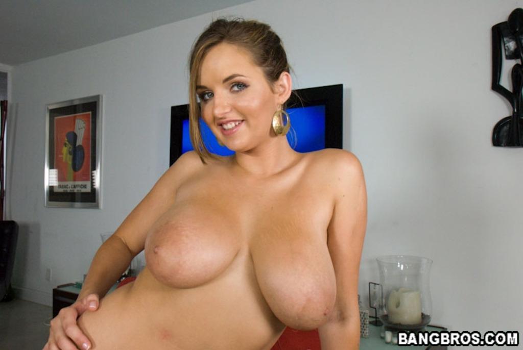 большие сиськи красоток порно фото