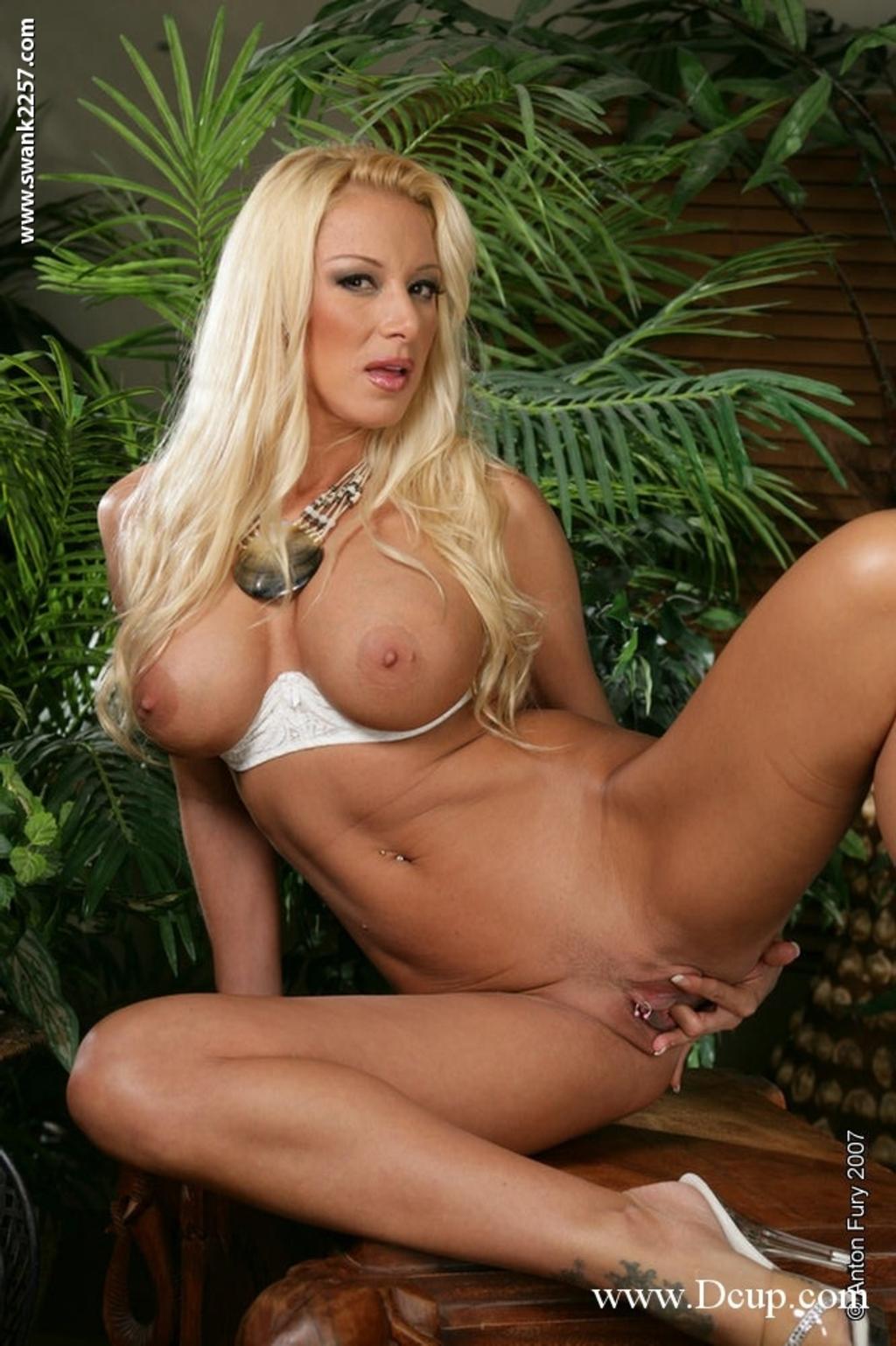 Naomi knight naked pics naked wild chick