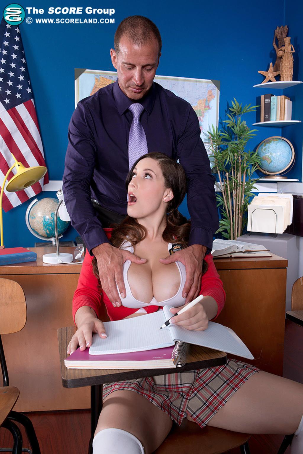 Смотреть онлайн порно ролики преподаватель и студентка 12 фотография