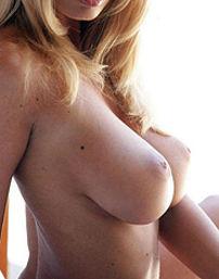 Anita Dark Amazing Curves